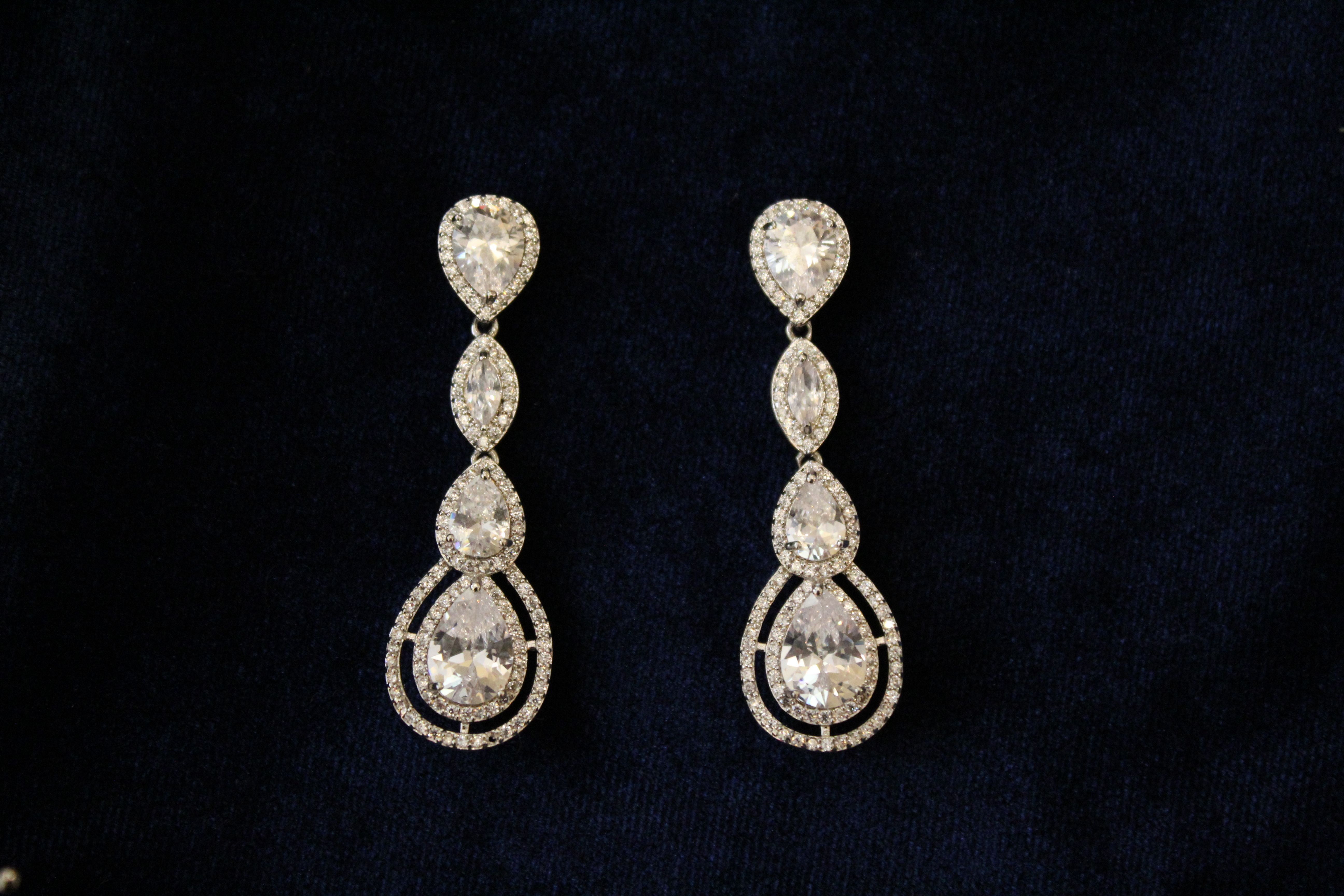 Novia Blanca Gracea pendientes earrings